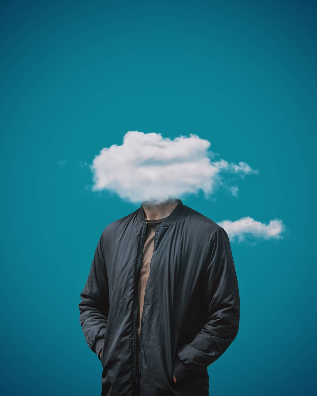 Man with a cloud instead of the head